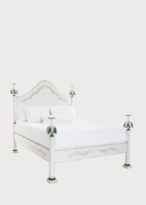 02b93 Roma Bed Short Posts (3)