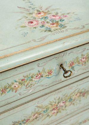 C87 Gold Barberini Cabinet (4)