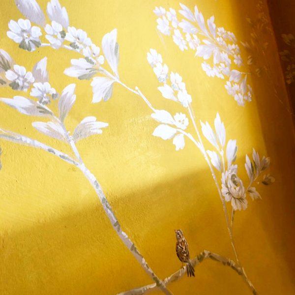 Stunning Monochromatic Foliage Yellow Background Details Porte Italia Venezia