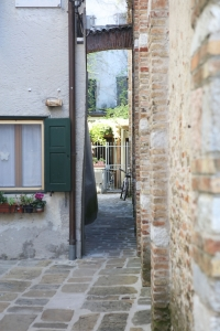 alley-image